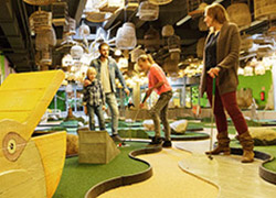 MINIGOLF_INDOOR_INTERACTIVE