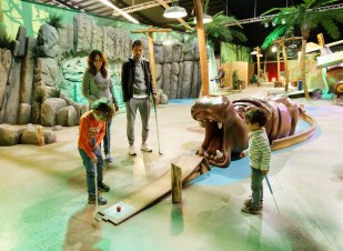 Interaktives Indoor-Minigolf