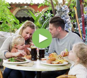 Schauen Sie sich unser Herbstferien Video an