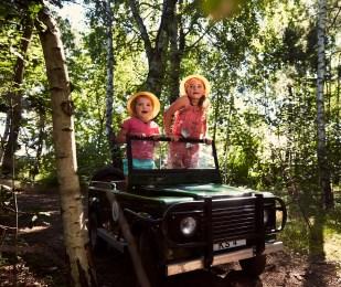Kinderen op safari in de bossen van Center Parcs
