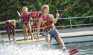 Sommer-Aktivitäten Wasserski