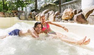 Sommer-Badespass mit der Familie